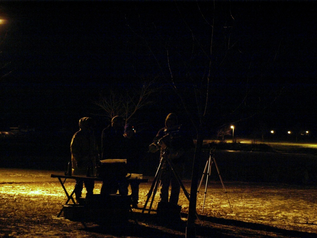 astronomers-at-night